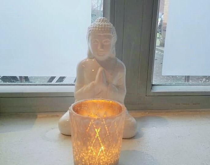 ヨガの仏像