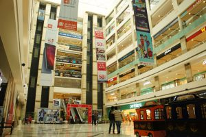 インドと思えないショッピングセンター